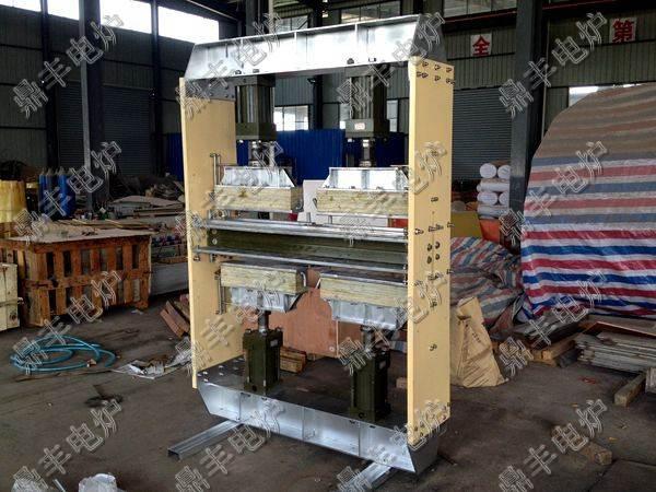 中频熔炼炉一般配置采用1套电源,2套炉